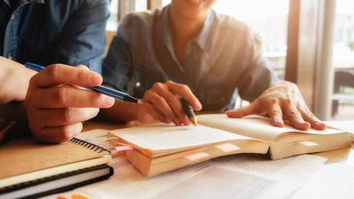 Mengenai Gagasan Utama Dan Gagasan Penjelas Dalam Menulis